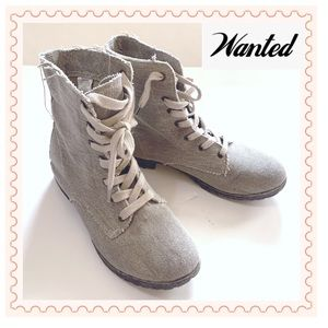 Like NEW! Textile upper Boots